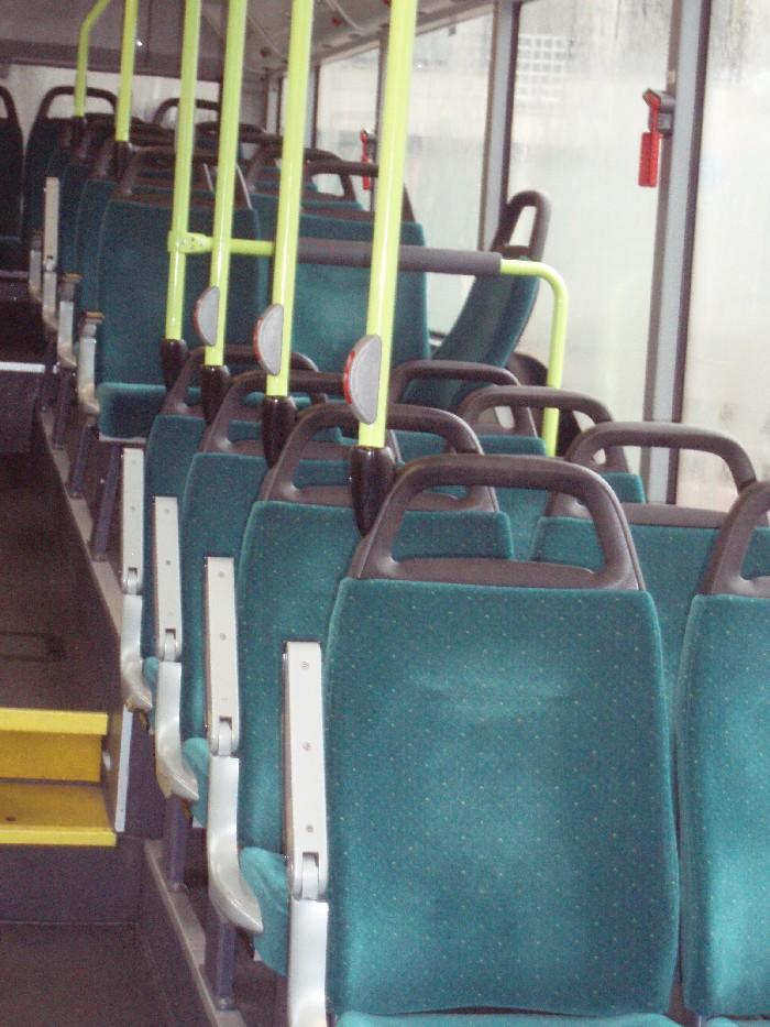 Foto van interieur bus.